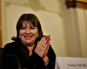 Senatorul Norica Nicolai participa la o intalnire a studentilor liberali, la Palatul Parlamentului din Bucuresti, sambata, 19 ianuarie 2008. ANDREI PUNGOVSCHI / MEDIAFAX FOTO