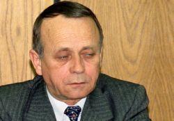 """CD A9 / 4668 / La sediul Institutului National de Informatii a avut loc lucrarile sesiunii de comunicari stiintifice cu tema """"Romania - institutii si valori pentru mileniul trei"""", cu ocazia aniversarii a 10 ani de la infiintarea Serviciului Roman de Informatii. In imagine, Costin Georgescu, directorul S.R.I. 14.03.2000 - Bucuresti Foto: Catalin Lutu © Mediafax Foto"""