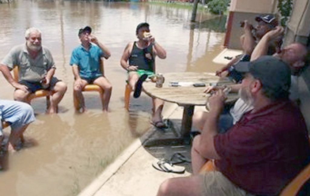 caz-unic-de-solidaritate-intr-un-sat-vasluian-inundat-satenii-s-au-mobilizat-si-au-reconstruit-carciuma_size6
