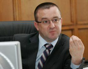 Presedintele ANAF, Sorin Blejnar, discuta cu reprezentanti ai presei, in Bucuresti, luni, 2 martie 2009. SILVIU MATEI / MEDIAFAX FOTO