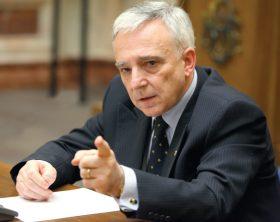 Mugur-Isarescu-salariu-de-baza-10000-de-euro
