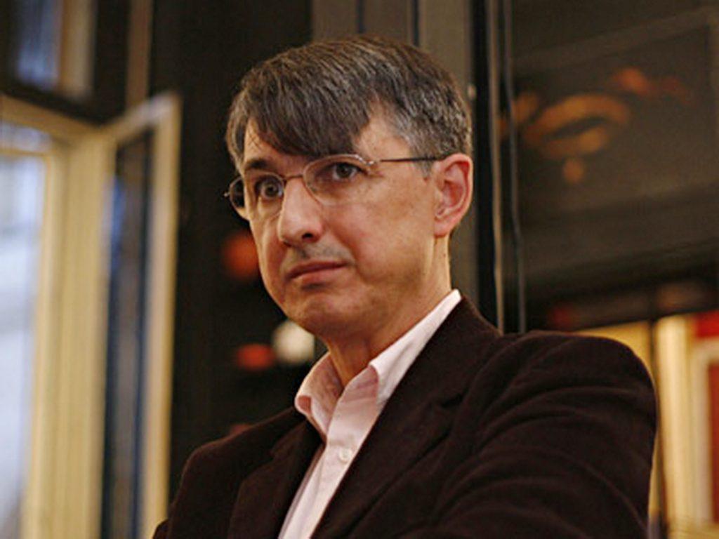 """Horia Roman Patapievici lanseaza volumul """"Despre idei & blocaje"""", la Libraria Carturesti din Bucuresti, marti, 23 octombrie 2007. BOGDAN STAMATIN / MEDIAFAX FOTO"""
